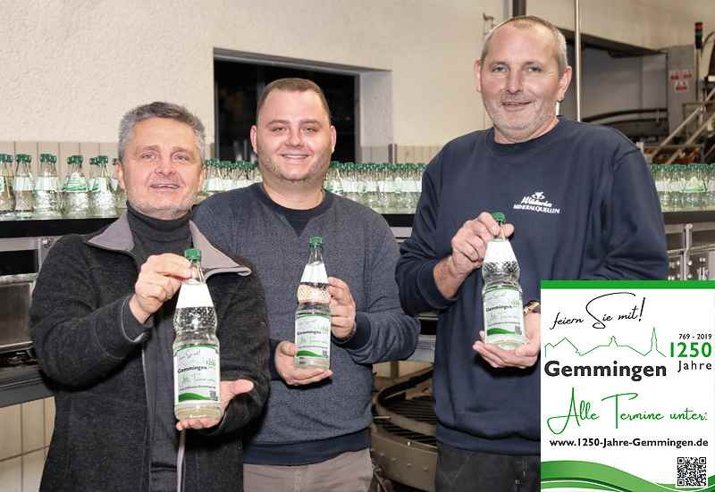 Foto (v.l.n.r.): Joachim Völkel, Manuel Völkel mit Produktionsleiter Stefan Götz